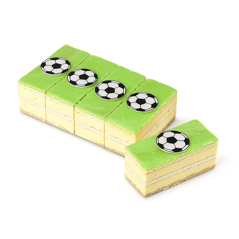Fussball-Crèmeschnitte